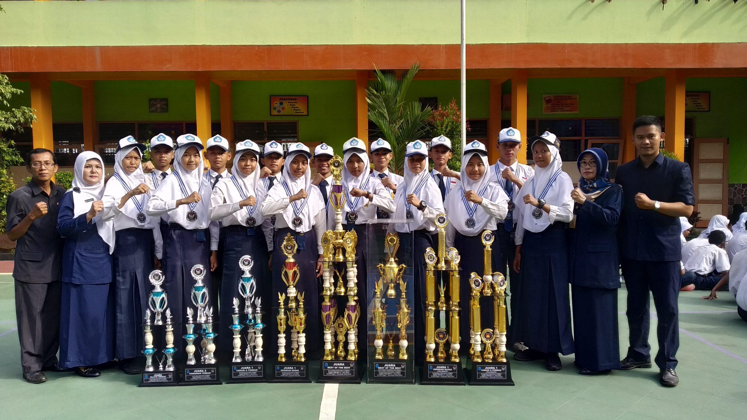 Beberapa piala kejuaraan yang diperoleh oleh team PASMABARA di even Cobra 2